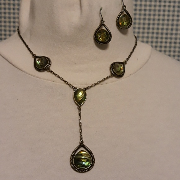 no brand Jewelry - Necklace & earings set